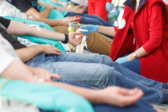 Transfusi Darah: Manfaat dan Resikonya untuk Pasien