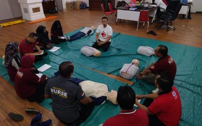 Pelatihan Bantuan Hidup Bersama Tim Code Blue