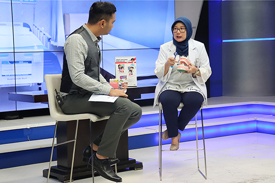 Talkshow Perawatan Gigi Sejak Dini Pada Anak-anak di SBO TV