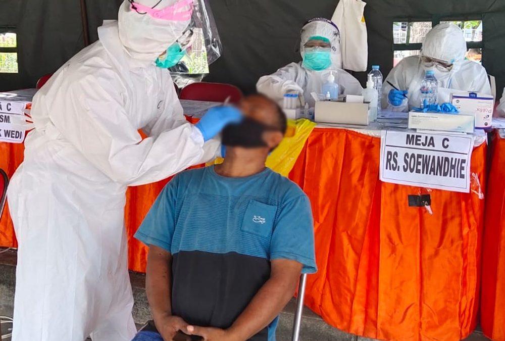 RSUD dr. Mohamad Soewandhie Turut Serta dalam Pemeriksaan Swab di Jebatan Suramadu